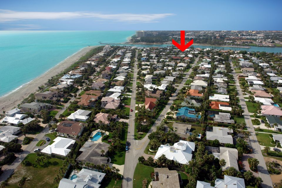 New Home for sale at 141 Beacon Lane in Jupiter Inlet Colony