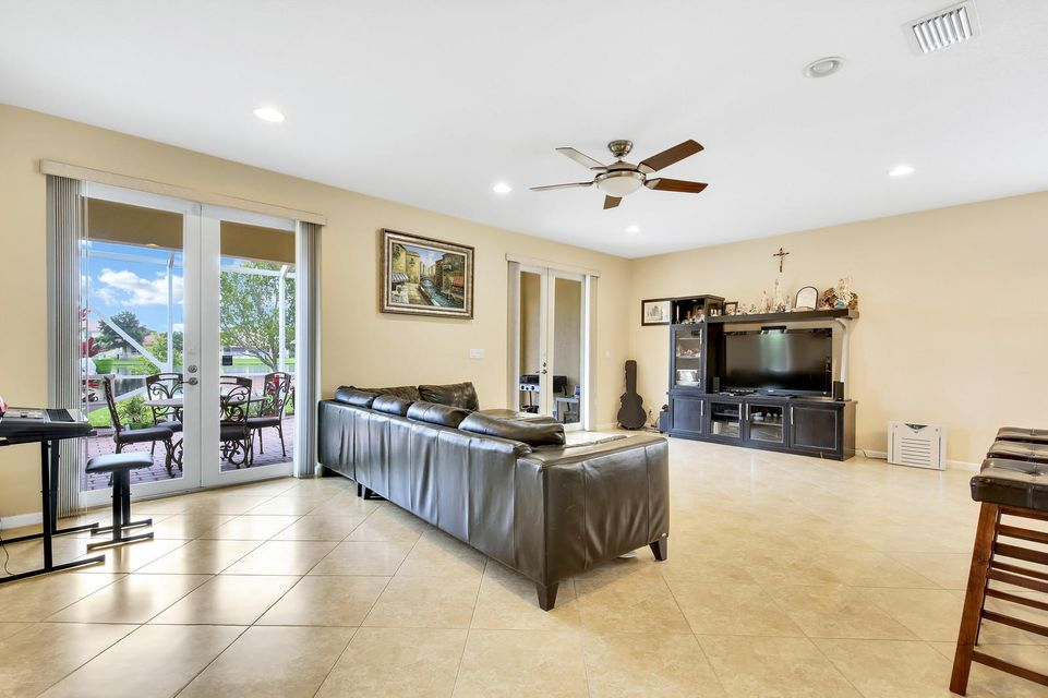 692 Belle Grove Lane Royal Palm Beach, FL 33411 photo 9