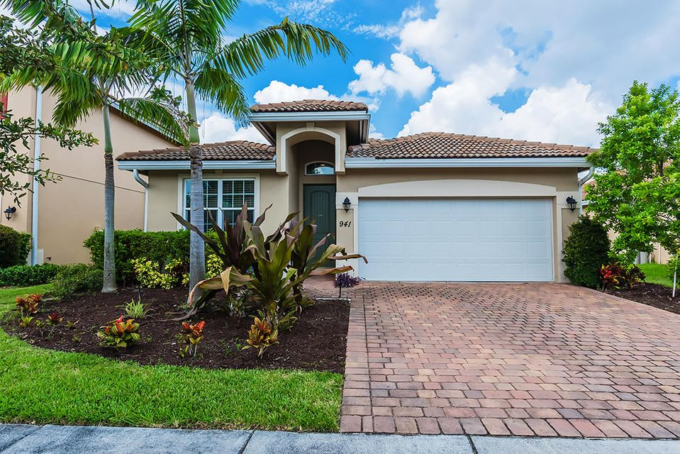 941 Siesta Drive  West Palm Beach, FL 33415