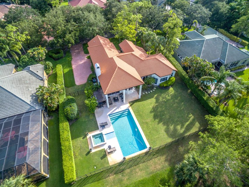 832 Forest Glen Lane  Wellington FL 33414