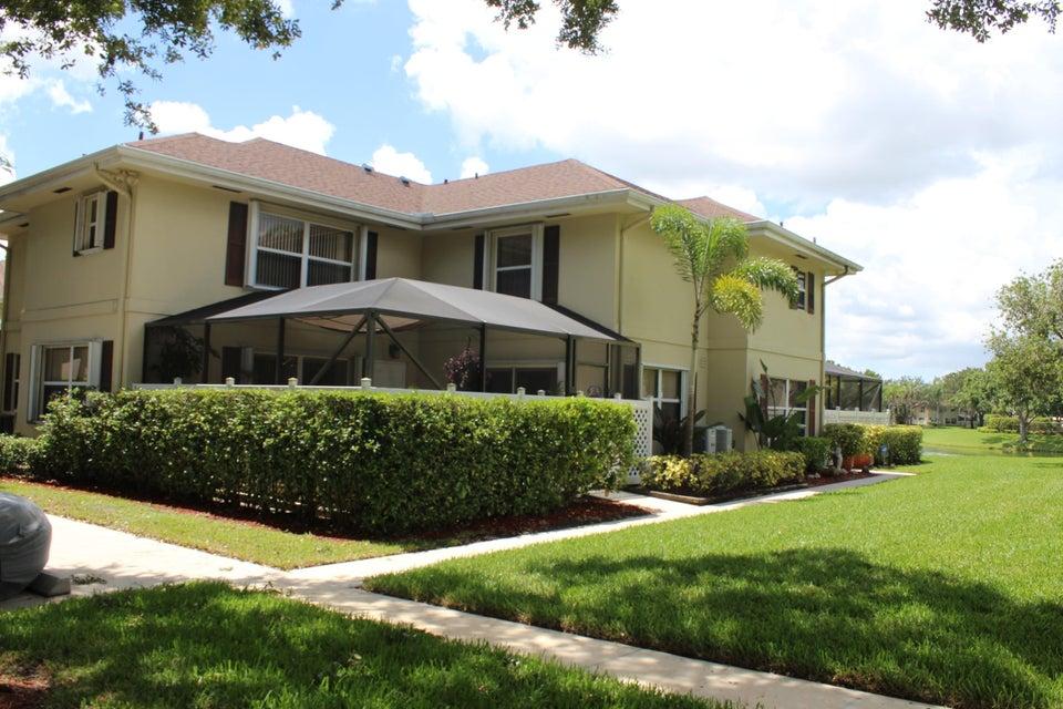 12 Amherst Court A Royal Palm Beach, FL 33411 photo 2