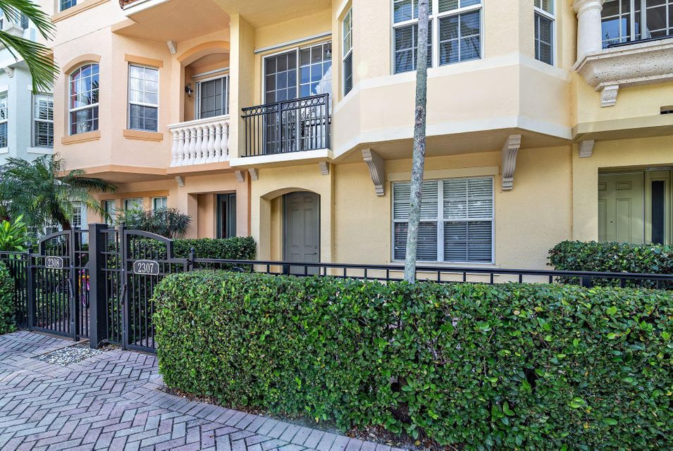 Palm Beach Gardens FL 33410 is listed for sale as MLS Listing RX-10448161 28 photos
