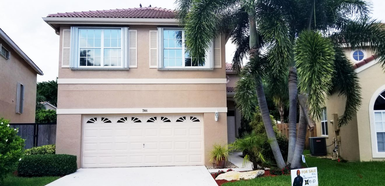 7944 Lakewood Cove Court Lake Worth, FL 33467