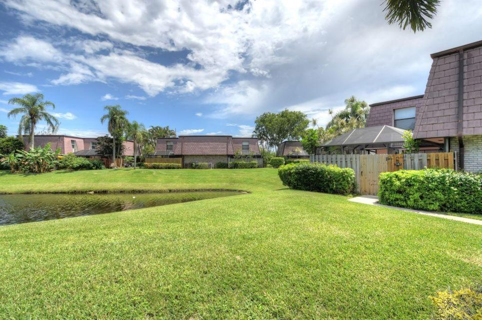 7687 Courtyard Run  Boca Raton FL 33433