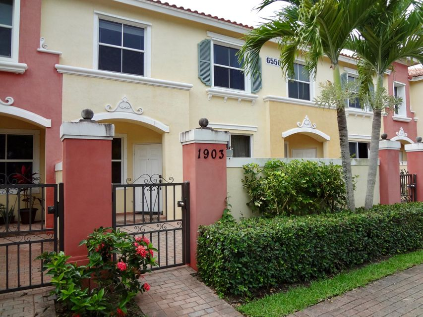 6550 Morgan Hill Trail 1903  West Palm Beach, FL 33411