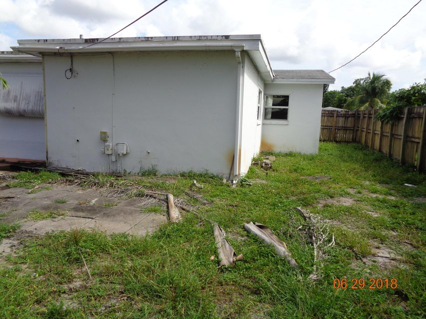 7508  Grant Court , Hollywood FL 33024 is listed for sale as MLS Listing RX-10439427 photo #8