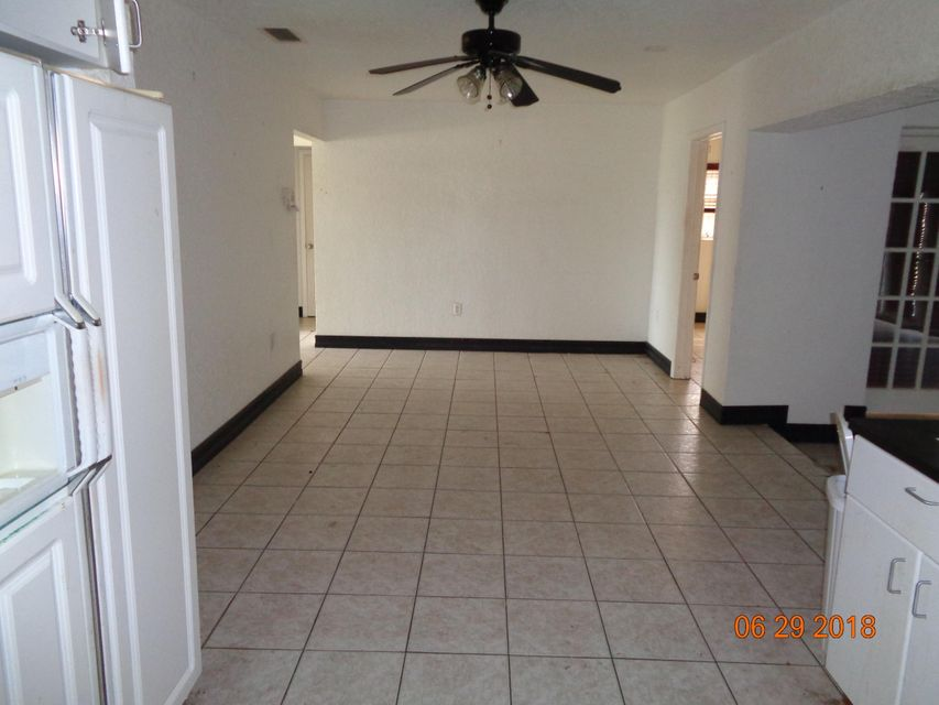 7508  Grant Court , Hollywood FL 33024 is listed for sale as MLS Listing RX-10439427 photo #11
