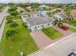 2014 N Suzanne Circle  North Palm Beach FL 33408