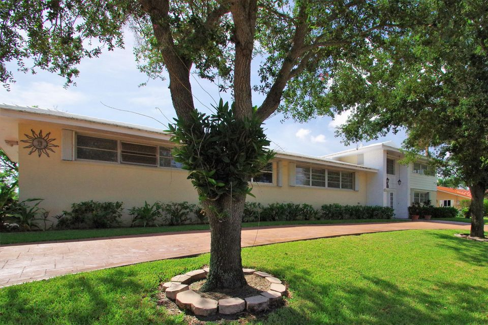 Home for sale in LAKE CLARKE WATERWAY ESTATES 2 Lake Clarke Shores Florida