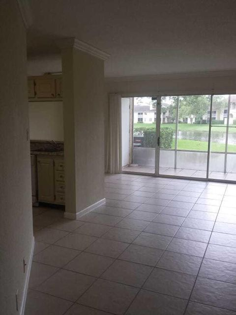 1304 The Pointe Drive 1304 West Palm Beach, FL 33409 photo 3