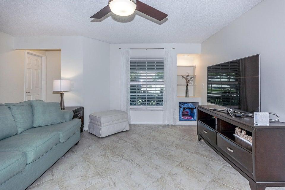 112 Cortes Avenue Royal Palm Beach, FL 33411 photo 8
