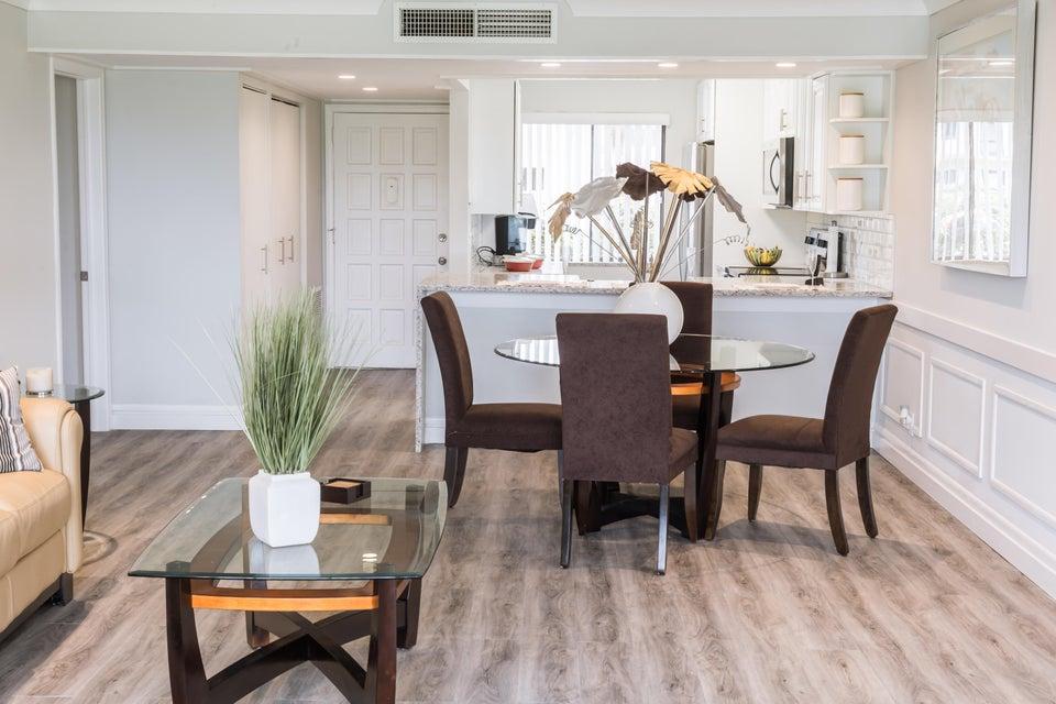 Home for sale in Tivoli Court Lake Worth Florida