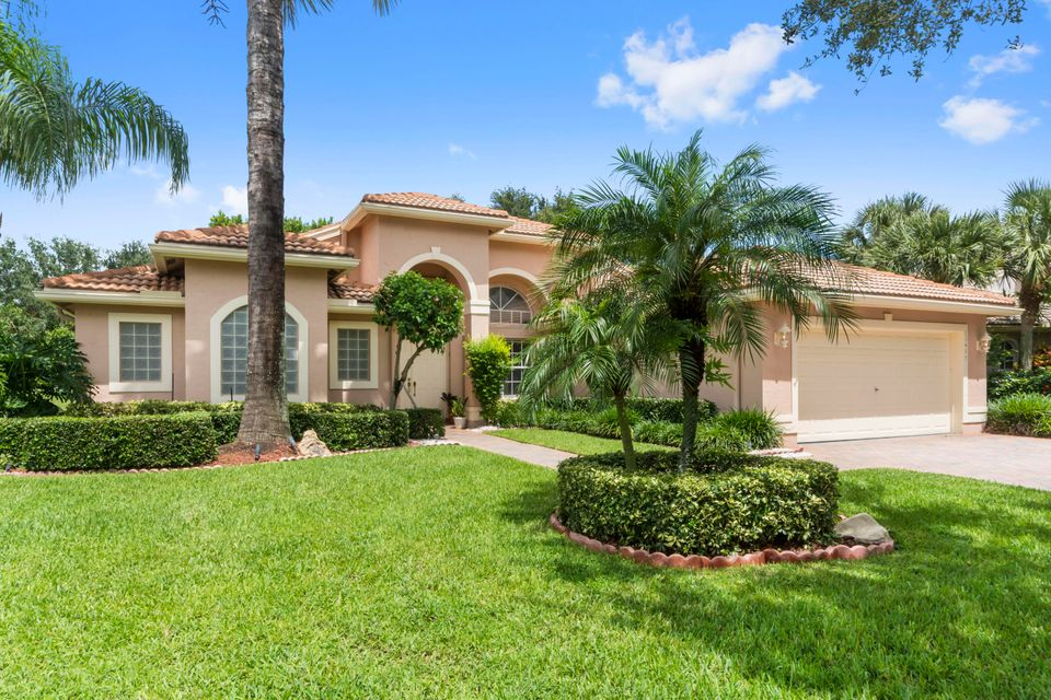 VALENCIA FALLS home 13407 Barcelona Lake Circle Delray Beach FL 33446