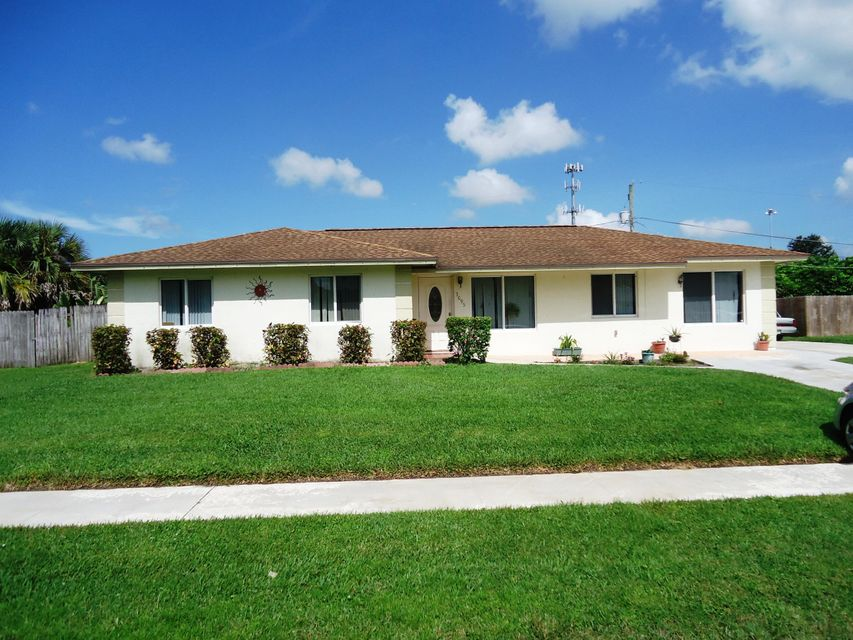 Home for sale in PALM BEACH NATL GOLF AND COUNTRY CLUB Lake Worth Florida
