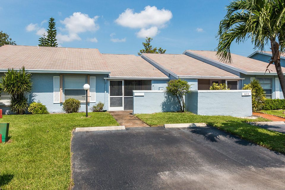 Home for sale in VILLAS AT LUCERNE LAKES I Lake Worth Florida