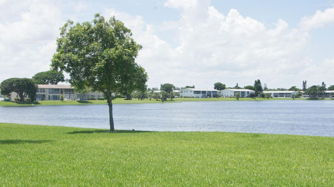 151 Dover C  West Palm Beach, FL 33417