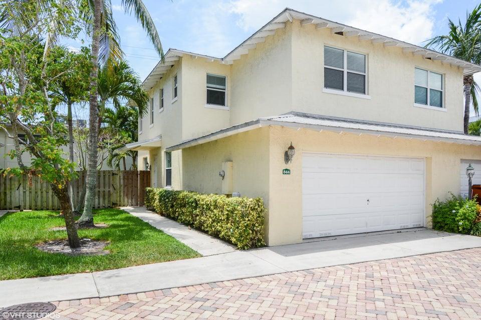 844 SE 4th Court - Deerfield Beach, Florida