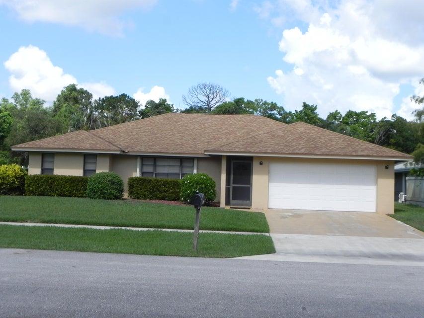 1282 Raintree Lane - Wellington, Florida