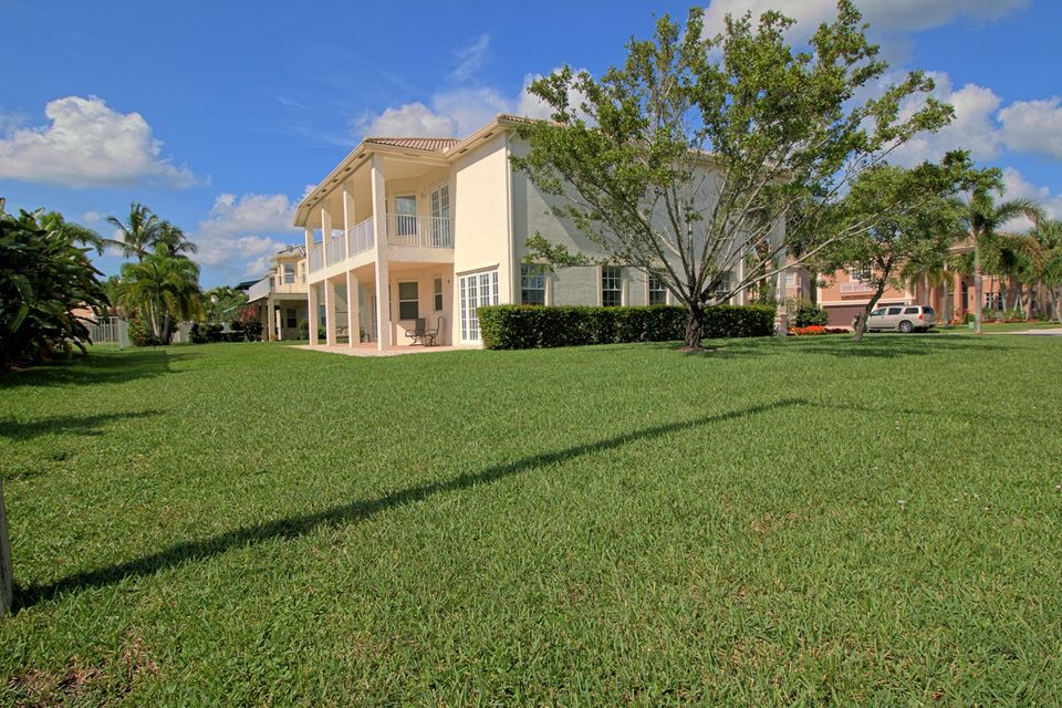 2151 Bellcrest Circle Royal Palm Beach, FL 33411 photo 3