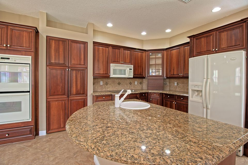 2151 Bellcrest Circle Royal Palm Beach, FL 33411 photo 11