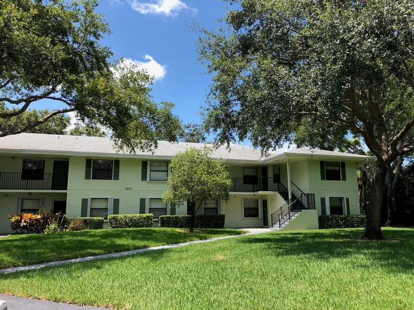 1201 Sabal Ridge Circle G  Palm Beach Gardens FL 33418