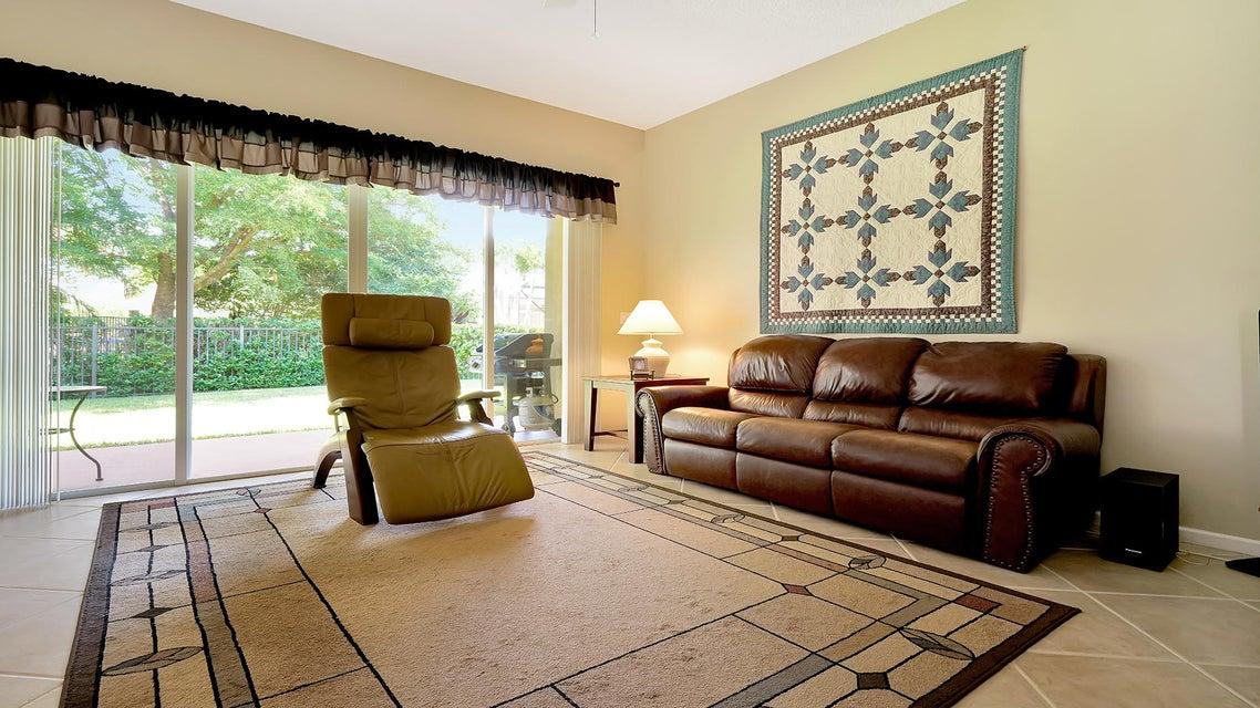 2496 Westmont Lane Royal Palm Beach, FL 33411 photo 4