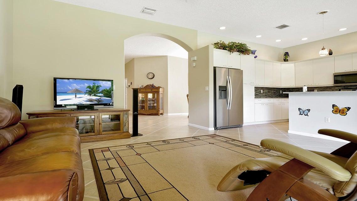 2496 Westmont Lane Royal Palm Beach, FL 33411 photo 9