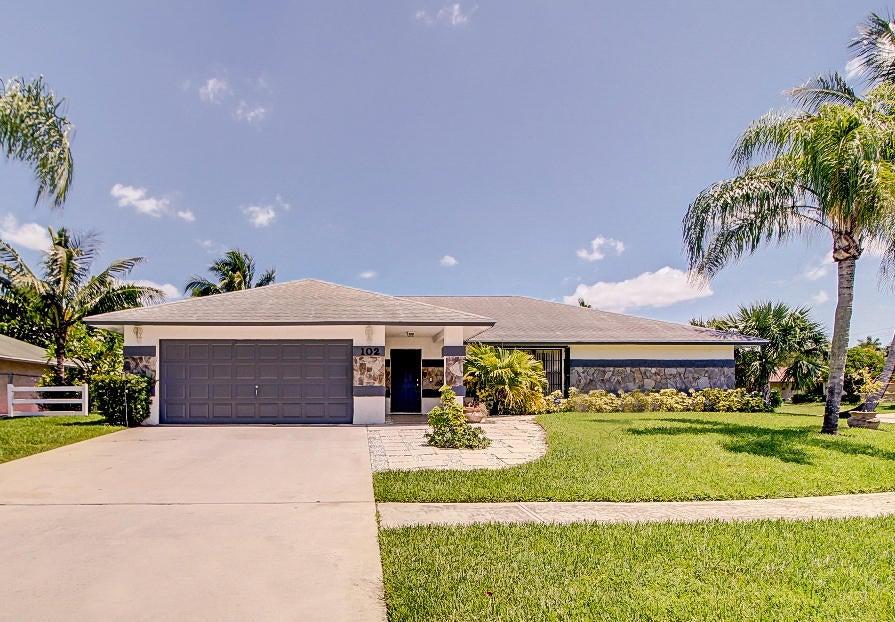 102 Sunflower Circle Royal Palm Beach, FL 33411