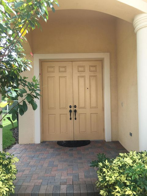 113 Isola Circle Royal Palm Beach, FL 33411 photo 3