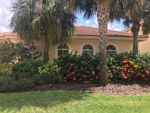 113 Isola Circle Royal Palm Beach, FL 33411 photo 2