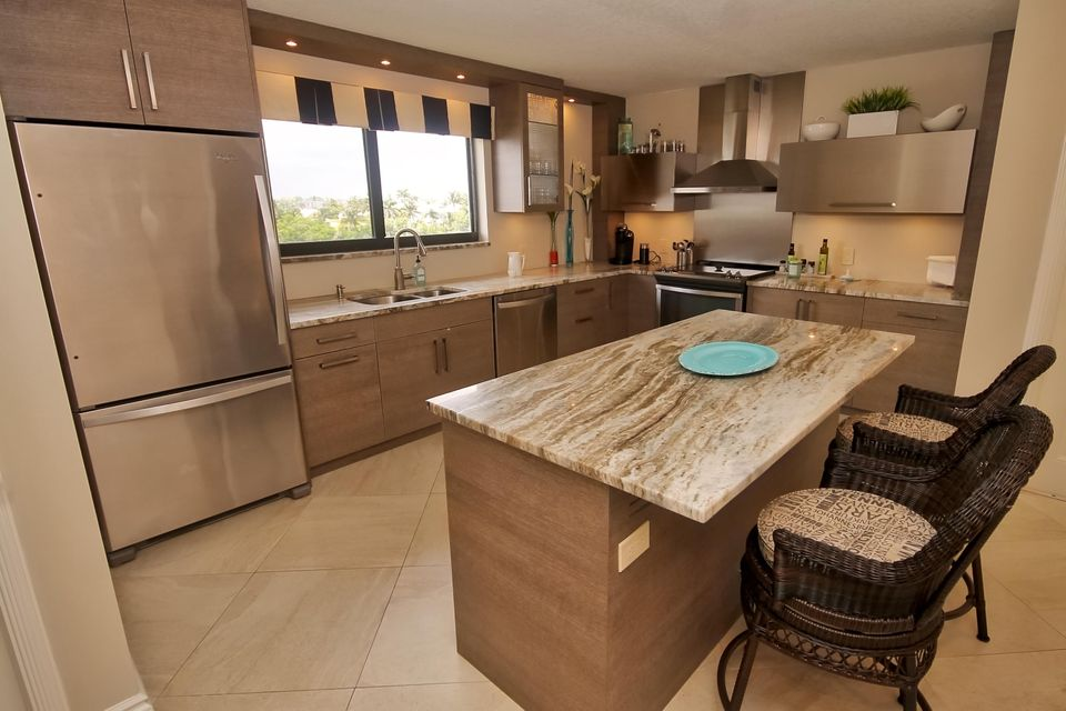 Home for sale in Lakewood At Palm Beach Condo South Palm Beach Florida