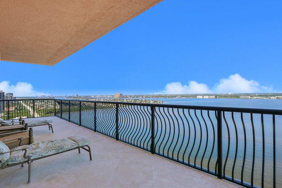 5150 N Ocean Drive 2100, Singer Island FL 33404 is listed for sale as MLS Listing RX-10445369 photo #2
