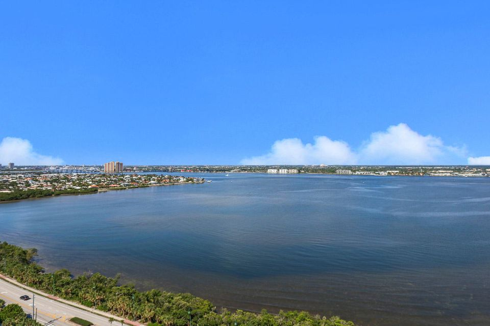 5150 N Ocean Drive 2100, Singer Island FL 33404 is listed for sale as MLS Listing RX-10445369 photo #44