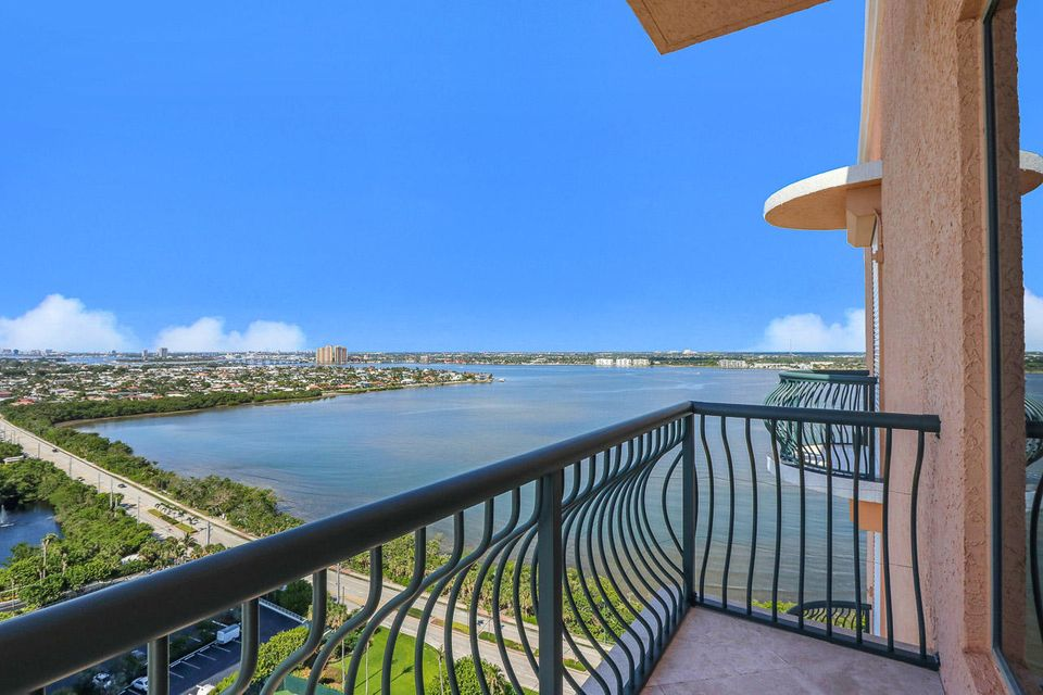 5150 N Ocean Drive 2100, Singer Island FL 33404 is listed for sale as MLS Listing RX-10445369 photo #43
