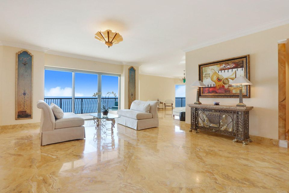 5150 N Ocean Drive 2100, Singer Island FL 33404 is listed for sale as MLS Listing RX-10445369 photo #8