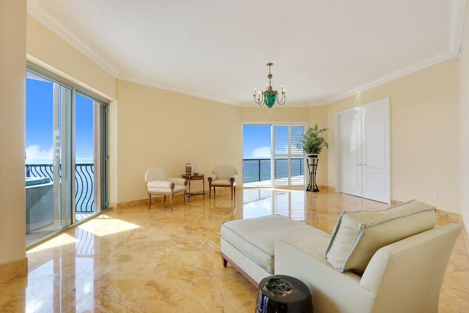 5150 N Ocean Drive 2100, Singer Island FL 33404 is listed for sale as MLS Listing RX-10445369 photo #19