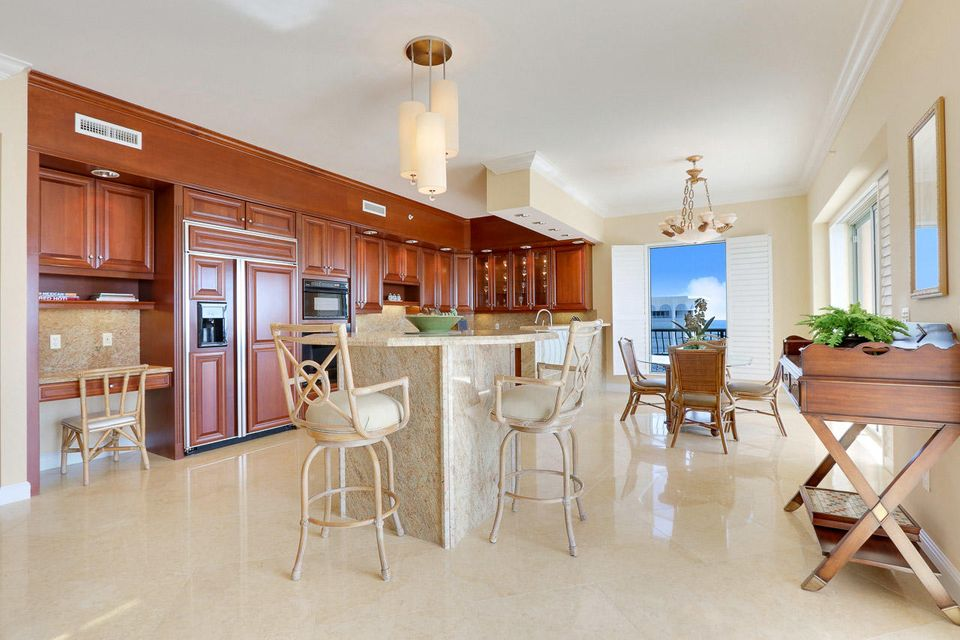 5150 N Ocean Drive 2100, Singer Island FL 33404 is listed for sale as MLS Listing RX-10445369 photo #7