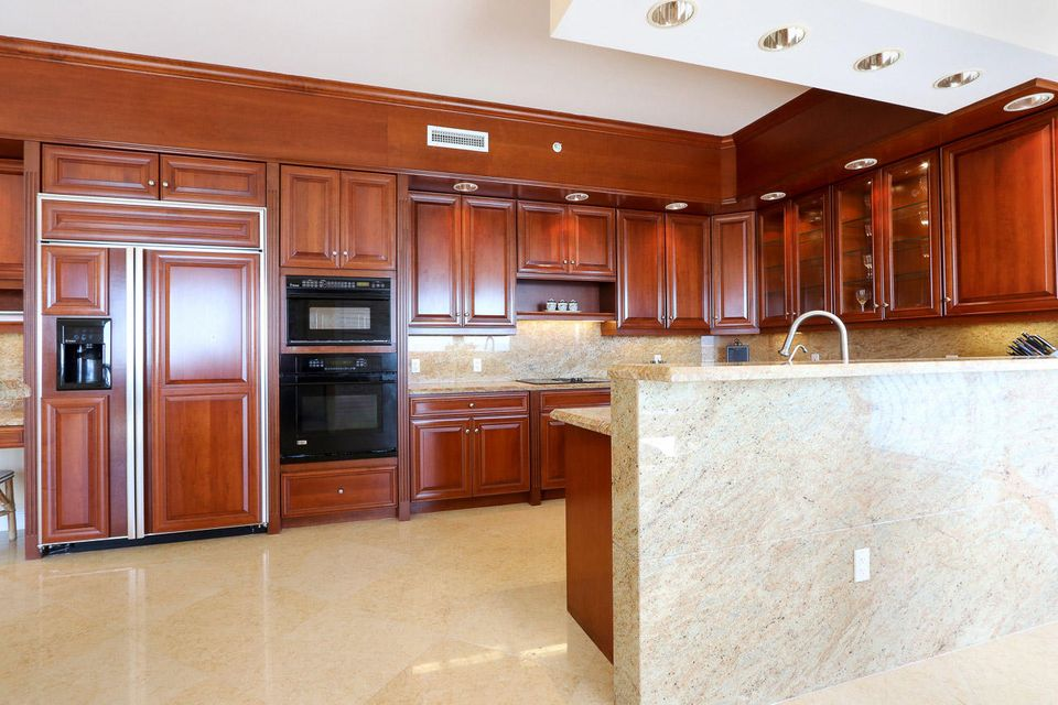 5150 N Ocean Drive 2100, Singer Island FL 33404 is listed for sale as MLS Listing RX-10445369 photo #14