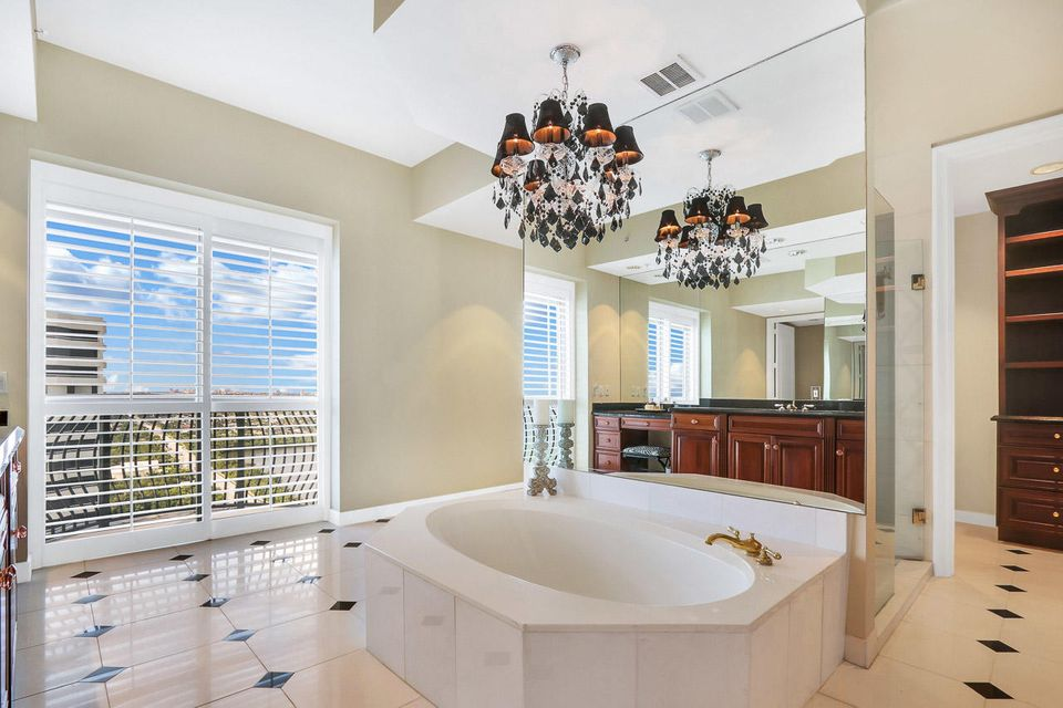 5150 N Ocean Drive 2100, Singer Island FL 33404 is listed for sale as MLS Listing RX-10445369 photo #26