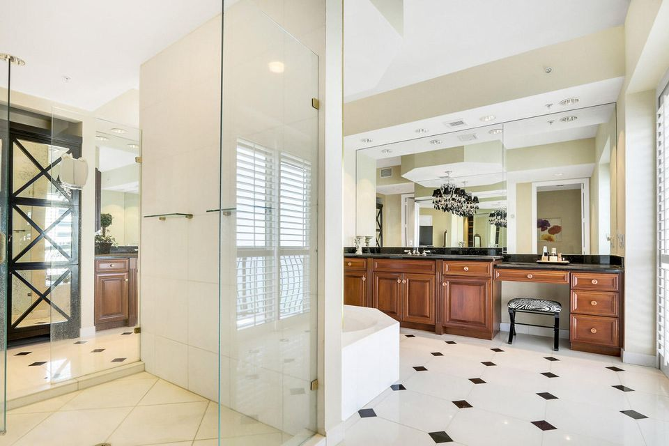 5150 N Ocean Drive 2100, Singer Island FL 33404 is listed for sale as MLS Listing RX-10445369 photo #27