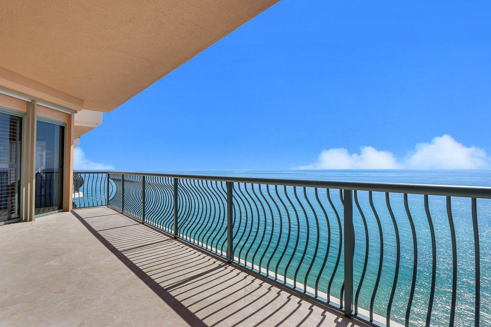 5150 N Ocean Drive 2100, Singer Island FL 33404 is listed for sale as MLS Listing RX-10445369 photo #1