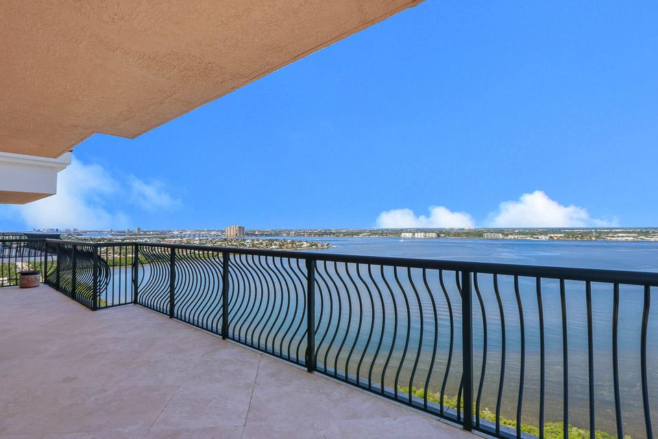 5150 N Ocean Drive 2100, Singer Island FL 33404 is listed for sale as MLS Listing RX-10445369 photo #32
