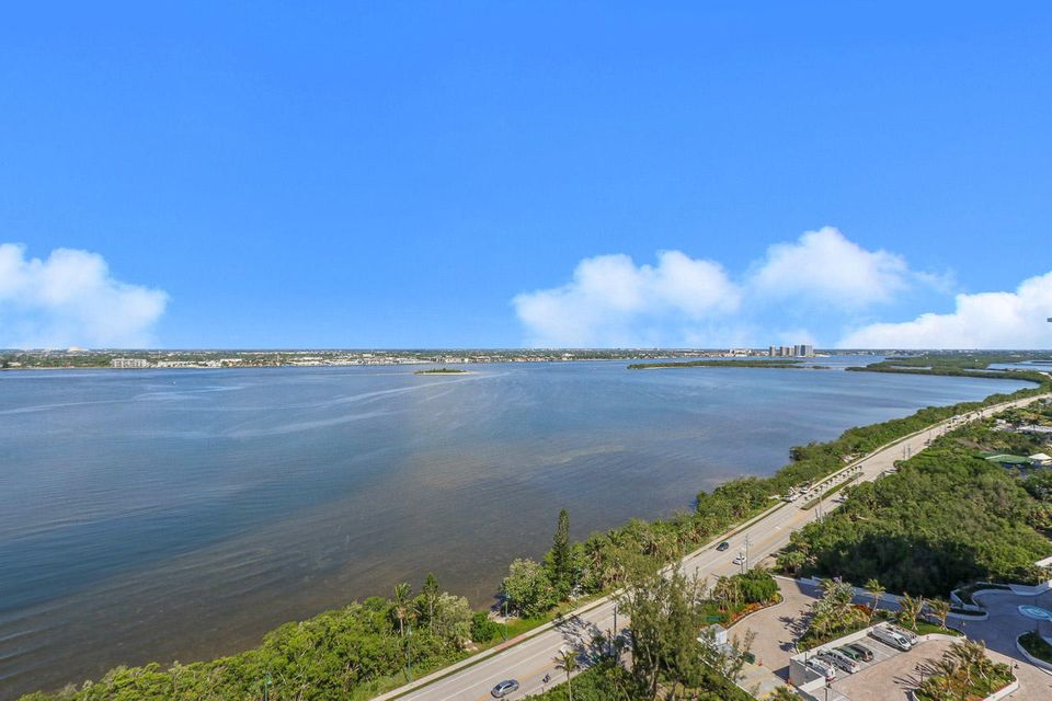 5150 N Ocean Drive 2100, Singer Island FL 33404 is listed for sale as MLS Listing RX-10445369 photo #42