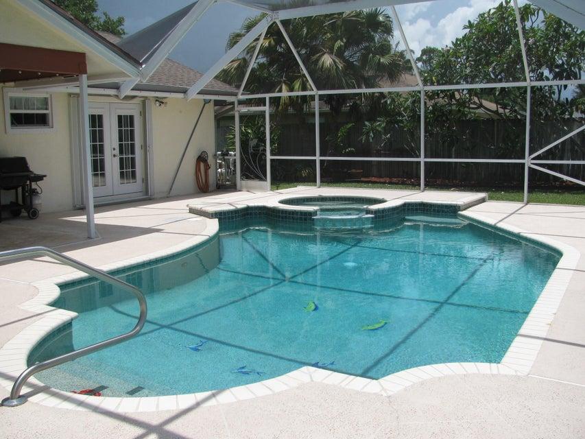 115 Viscaya Avenue Royal Palm Beach, FL 33411 photo 2
