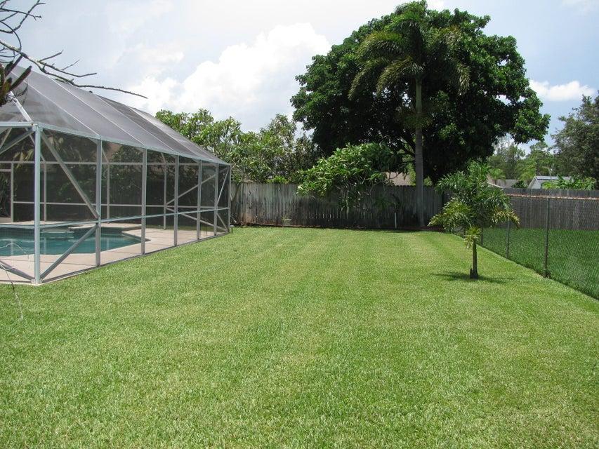 115 Viscaya Avenue Royal Palm Beach, FL 33411 photo 3