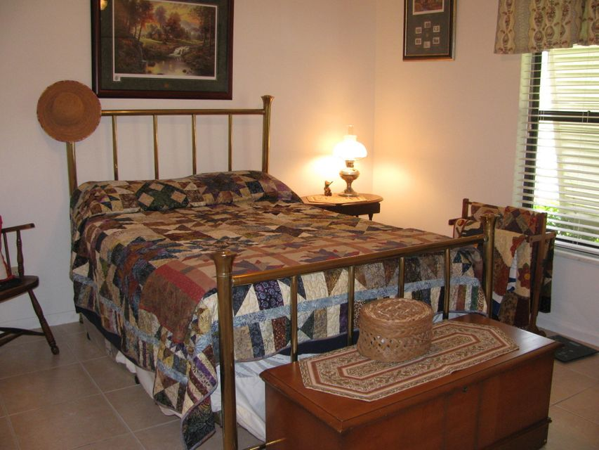 115 Viscaya Avenue Royal Palm Beach, FL 33411 photo 9