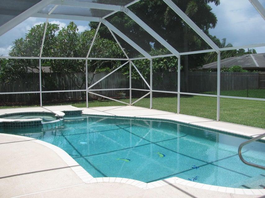 115 Viscaya Avenue Royal Palm Beach, FL 33411 photo 14