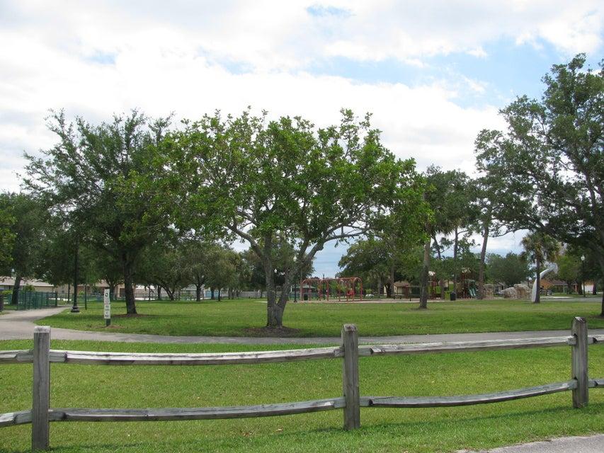 115 Viscaya Avenue Royal Palm Beach, FL 33411 photo 18