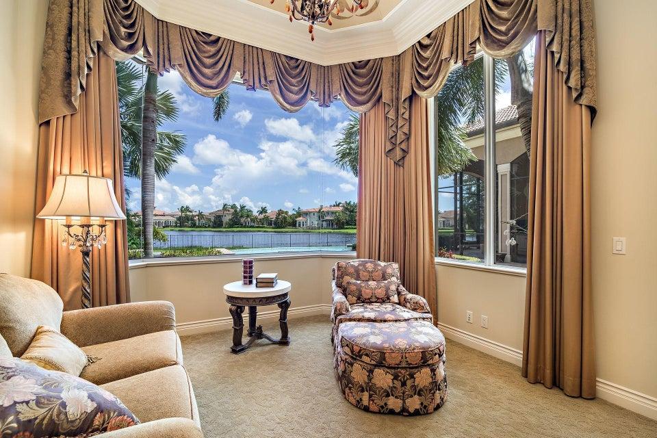 135  Playa Rienta Way , Palm Beach Gardens FL 33418 is listed for sale as MLS Listing RX-10445916 photo #19