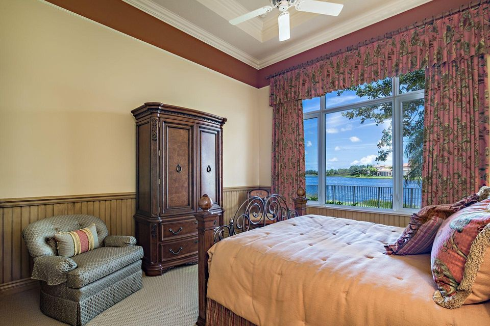 135  Playa Rienta Way , Palm Beach Gardens FL 33418 is listed for sale as MLS Listing RX-10445916 photo #24